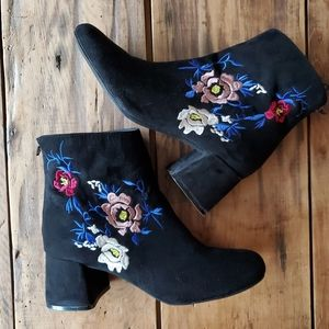 Cupid Black Suede Embroidered Bootie EUC size 6